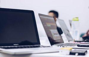 Instalacja aplikacji i usług na serwerach